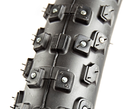 Studded bike tire